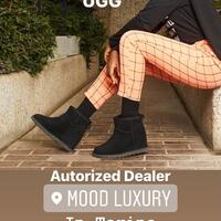 UGG Classic Femme Special Price Valido fino al 30/11/2020. Delivery a domicilio. Info/Ordini In Direct  #ugg #australia #fashion #lafy#mood #shopping style #shopping #shoes#musthave #boutiquetorino