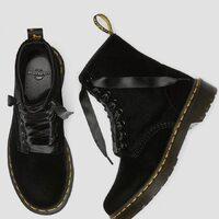 Dr.Marten Velvet Black Special Price  Shop online: www.moodluxurytorino.com Spedizione gratuita H24 in tutta Italia 🇮🇹  #drmartens #velluto #velvet #black #fashion #style #shoes #boots #shopping #love #glamour #musthave #boutiquetorino
