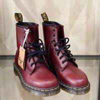 Dr.Martens 1460 Smooth Cherry SPECIAL PRICE  ULTIMI NUMERI € 139,00 anziché € 189,00 Shop online: www.moodluxurytorino.com Spedizione gratuita H24in tutta Italia 🇮🇹  #drmartens #cherry #boots #fashion #style #glamour #shopping #musthave #love#london #boutiquetorino